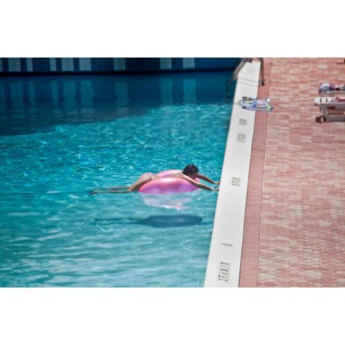 la-fille-de-la-piscine.-Cadre-40x30-IMG_0034